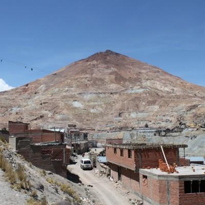 La mine de Potosi est sous la montagne