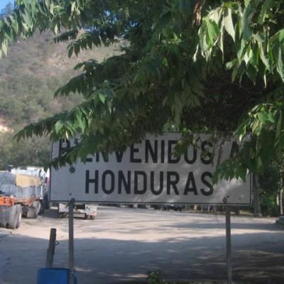 Traversée de la frontière pour Copan Ruinas