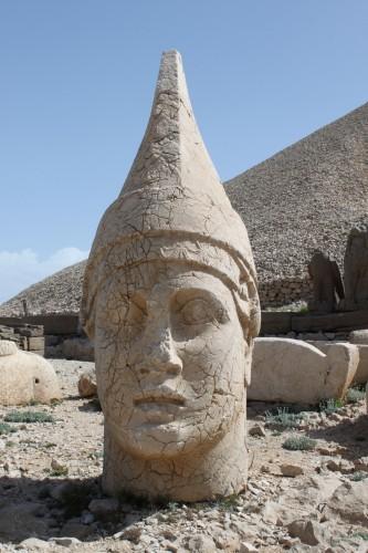 Tête d'Antiochios Ier à Nemrut Dagi