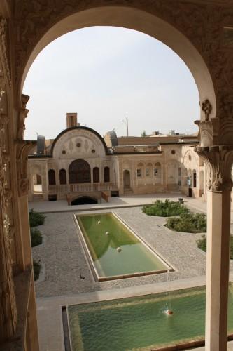 La cour de la maison Tabatabaei