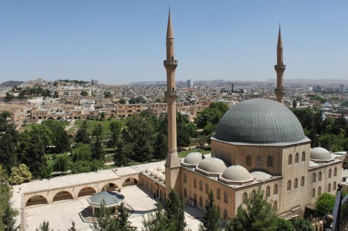 La mosquée et la ville d'Urfa