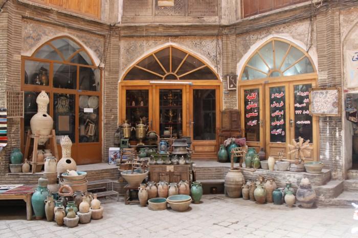 Etals dans le bazar de Kashan