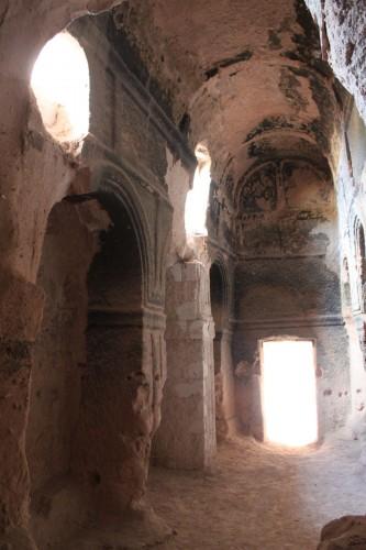 L'intérieur des ruines de Özkonak