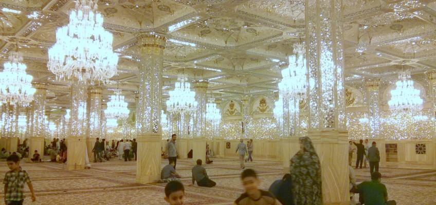 A l'interieur du sous-sol du mausolée de Mashaad