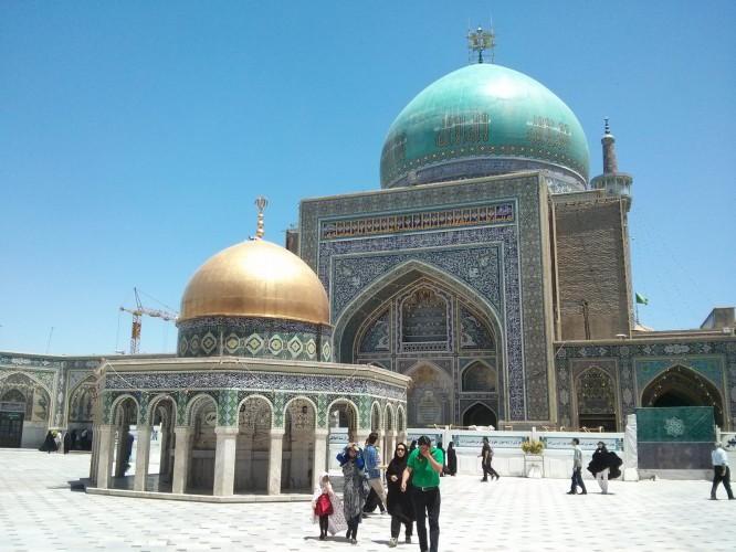 Une mosquée dans le mausolée de Mashaad