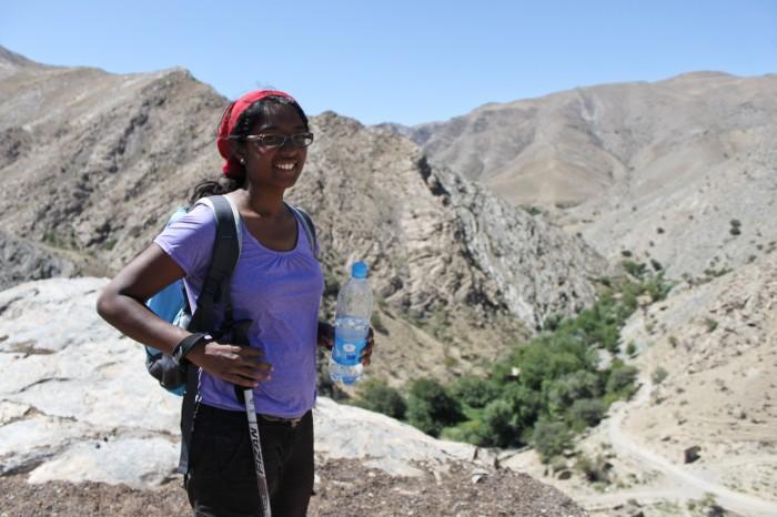 Sophie dans les montagnes de Nuratau