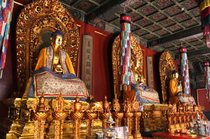 Statues dans le Temple des Lamas de Beijing
