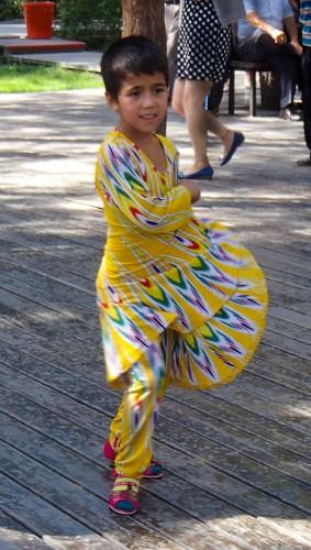 Jeune danseuse ouïghour