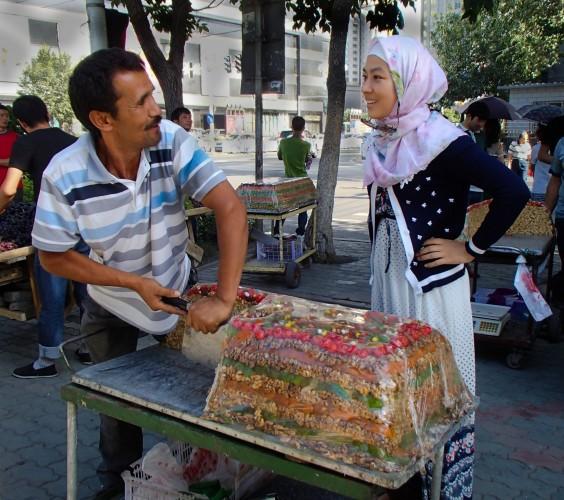 Vendeur de nougat à Urumqi