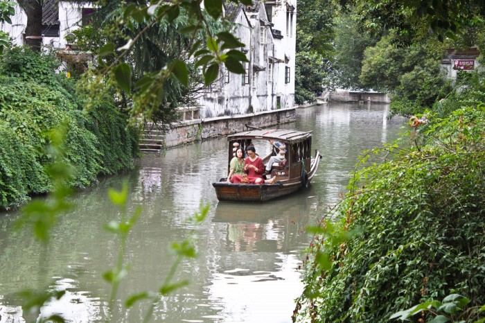Gondole sur un canal de Suzhou