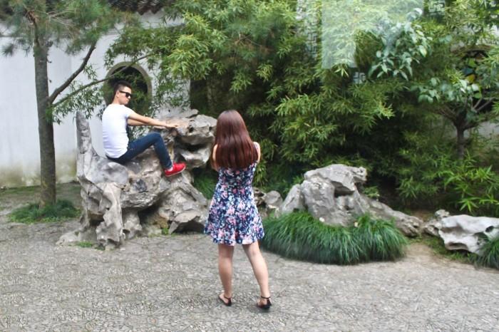 Touristes dans le Jardin de la Foret du Lion