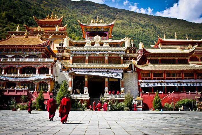 Cour du monastère Nanwu à Kangding