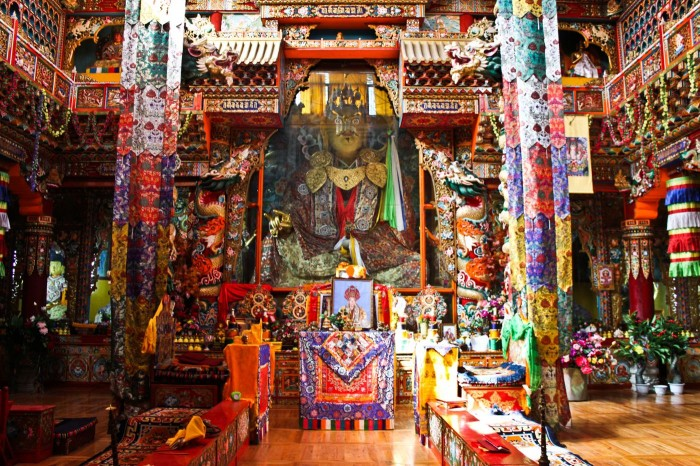 Temple du monastère Jingang à Kangding