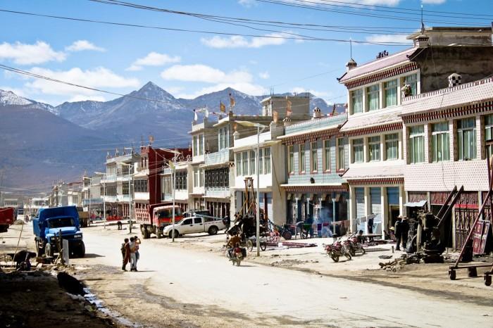 Rue de Litang au Sichuan