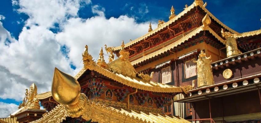 Sur les toits du temple Dratsang