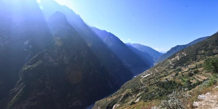 Les rayons du soleil sur les monatagne - Gorges du Saut du Tigre