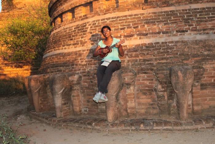 bagan_ukulele_elephant