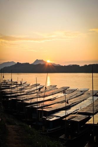 Le Mékong à Luang Prabang au coucher du soleil