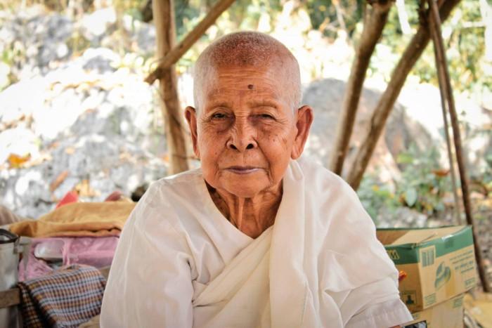 Une none cambodgienne