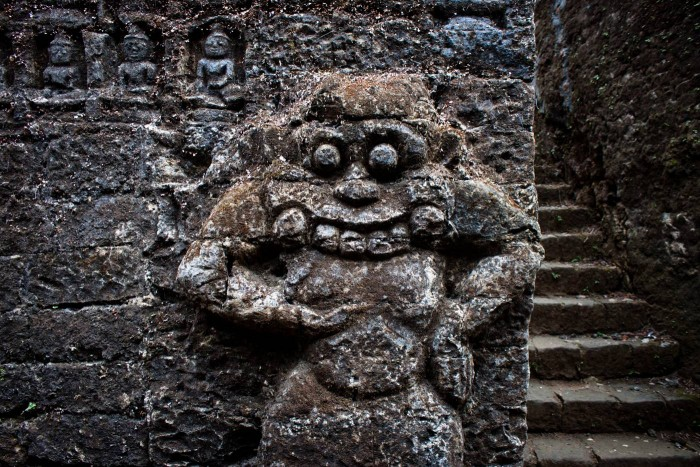 mrauk_u_sculpture