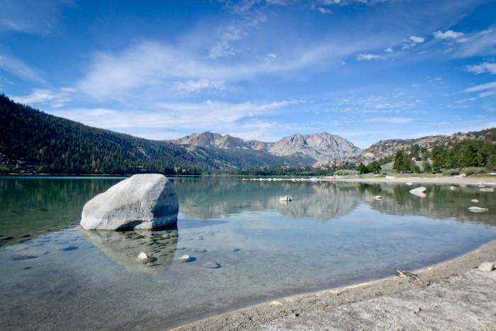 Lac près du Yosemite