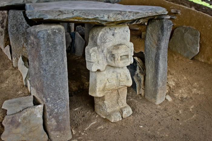 Popayan_statue
