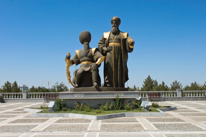 Statues à Ashgabat